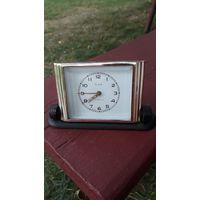 Настольные часы будильник Слава - экспортные 1957 г. - на ходу, обслужены в 2021 г.
