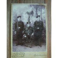 Старая фотография военных инженеров