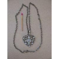 Ажурный кулон-сердечко на цепочке в серебре