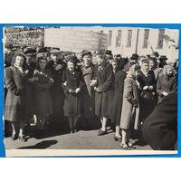 Фото молодежи на демонстрации