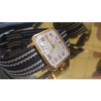 Часы механические zarja au10 с рубля