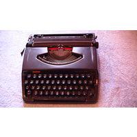 """Печатная машинка, портативная """"DELUXE 220"""" brather. Немецкий язык. распродажа"""