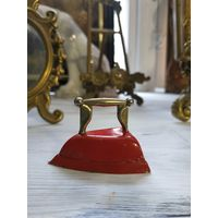 Декоративный малый утюг латунь миниатюра редкость