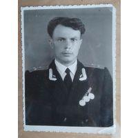 Удостоверенное фото ст. лейтенанта. 1958 г. 8.5х12 см