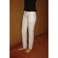 Белонежные льняные штанишки, Италия, почти новые, р.42-44