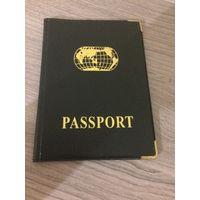 Обложка для паспорта новая, размер в сложенном виде 13 на 10 см.