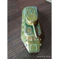 Детская игрушка из металла БТР СССР.