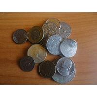 17 иностранных монет