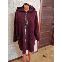 Теплое пальто деми на 60-64 размер, новое. Можно и на 66 размер. Подойдет на большую грудь, приятное на ощупь, очень мягкое, достаточно теплое, хоть и без подкладки, с капюшоном. Цвет насыщенный, борд