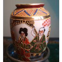 Миниатюрная ваза вазочка страны Востока Япония Китай Корея ? фарфор ручная работа Клеймо