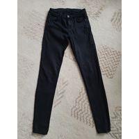 Черные зауженные штаны/брюки Zara