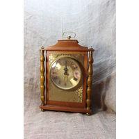 Часы Весна, деревянный корпус, 32-20 см. АУКЦИОН. С РУБЛЯ!!!
