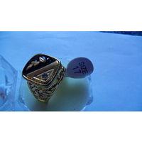 Мужской перстень с чёрной вставкой и камушком . 8 распродажа