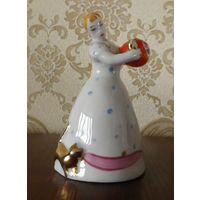 Девушка с чайником и кошкой 12,5 см 1 сорт Малышева Дулево