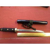 Нож ручной работы в деревянных ножнах(3).