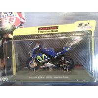 Мотоцикл Yamaha YZR M1 motoGP 1/18