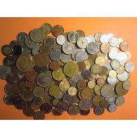 200 шт. всяких монет мира с 1 руб