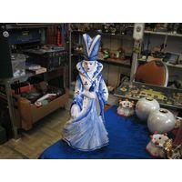 Статуэтка-штоф Белая королева, Гжель, 32,5 см.