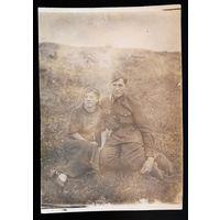 Фото военного с женщиной. 1940 г. 9х13 см