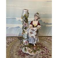 Статуэтка старинная Дама с передником Германия Sitzendorf