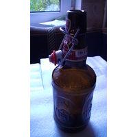 Бутылка фигурная, коричневая с пробкой, Германия. распродажа