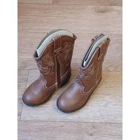 Сапожки детские осенне-зимние, США, нат. кожа. стилизованные под ковбойские сапожки. Р-р 8 (Длина ножки 17 см) На молнии.