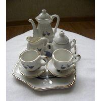 Чайный сервиз для кукол, тонкий фарфор, Европа, клеймо.