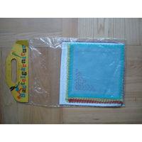 Набор платочков для вышивания из ГДР в целлофановой упаковке. В наборе 6 платочков.Набов из 80-ых годов.
