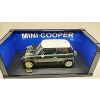 Mini Cooper 2001 1/18  Autoart