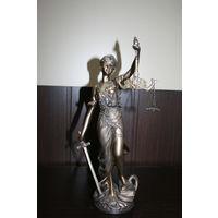 Статуэтка. Греческая богиня правосудия- Фемида.