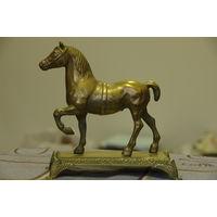 Статуэтка Лошадь , латунь   ( 17 Х 17 см )
