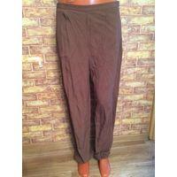 Классные легенькие брюки красивого горчичного цвета на 44 размер, ПОталии 40 см, ПОбедер 59 см, длина 101 см.