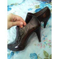Туфли (полуботинки) лаковые черные. Размер 38