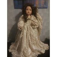 "Фарфоровая кукла ""Antique Lace"""