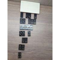 Настольные игры: домино, шашки, лото, шахматы.