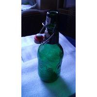 Бутылка фигурная, зелёная с пробкой. распродажа