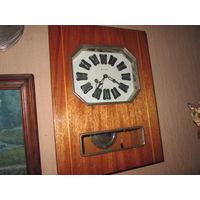 Часы настенные с боем Янтарь
