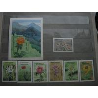 Марки - Киргизия, 1994 - флора, цветы стран мира, блок и 7 марок