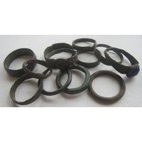 Кольца и перстеньки крестьянские , старые 15 шт (3 шт. сломаны).