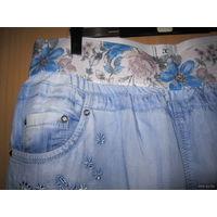 Капри/бриджи джинсовые на резинке, с вышивкой и стразами, р.46