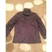 Утепленная куртка мужская на 50-52 размер. Бу. Длина 84 см, ПОгруди 64 см, длина рукава 66 см. Куртка в отличном состоянии, очень плотная, теплая. Единственный дефект, на некоторых собачках нет язычка