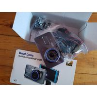 Регистратор 2 камеры +парктроник Dual Lens Vehicle