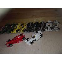 Машинки Формулы от Hot Wheels.