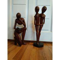 Старые африканские деревянные скульптуры.
