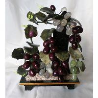 """Композиция """"Виноград"""" из стекла на мраморе. Интерьерный подарок. Искусственный цветок"""