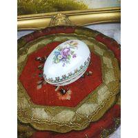 Красивое яйцо шкатулка Германия Фарфор Клеймо Роспись
