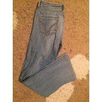 Голубые мужские джинсы на 44-46 размер. Длина 101 см, ПОталии 42 см, ПОбедер 55 см. Джинсы в идеальном состоянии.