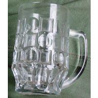 Пивной бокал толстого стекла
