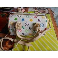 Очень красивая сумочка.