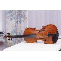 Старинная скрипка после полной реставрации известным скрипичным мастером в 2018 году